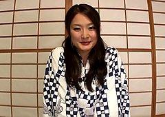 Hibiki Otsuki ja Yui Hatano tuhma amatööri kolmessa kimppassa